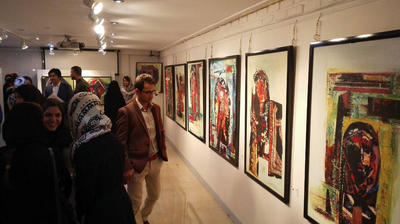 نمایشگاه نقاشی زهره الفتی با نام مصایب زنان ایلام